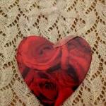 Red Roses wooden heart deco..