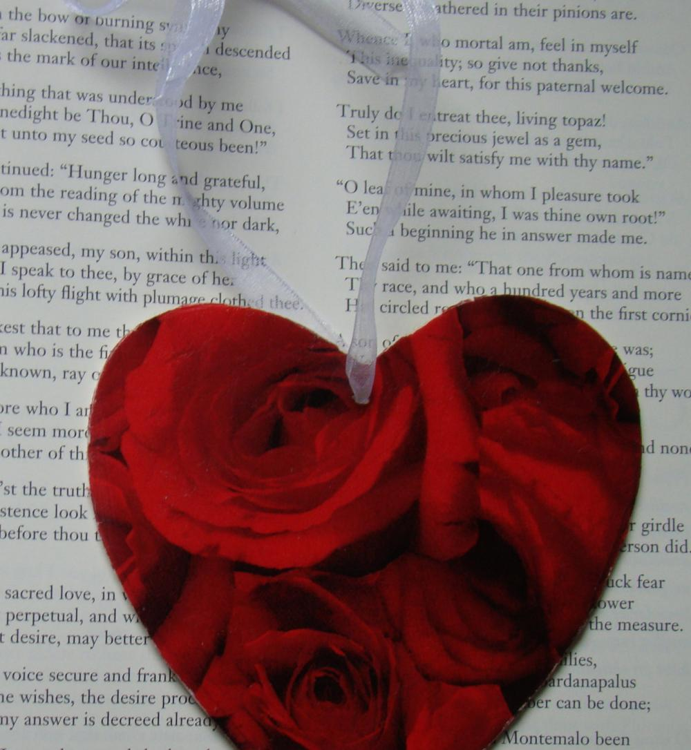Red Roses wooden heart decoration